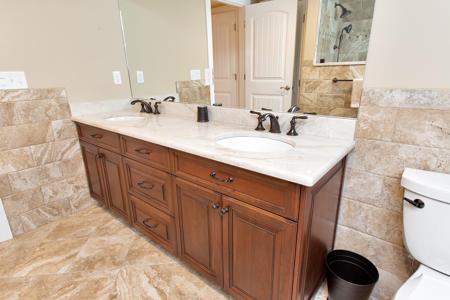 Bathroom vanities with makeup area - Double Bathroom Vanities With Makeup Area