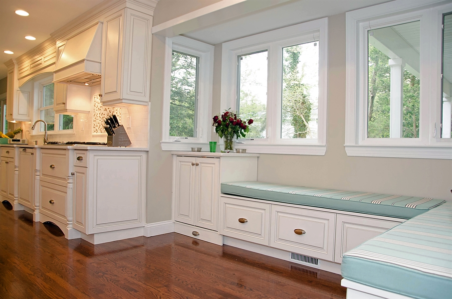 Wrap Around Bench Seating in Brielle, NJ