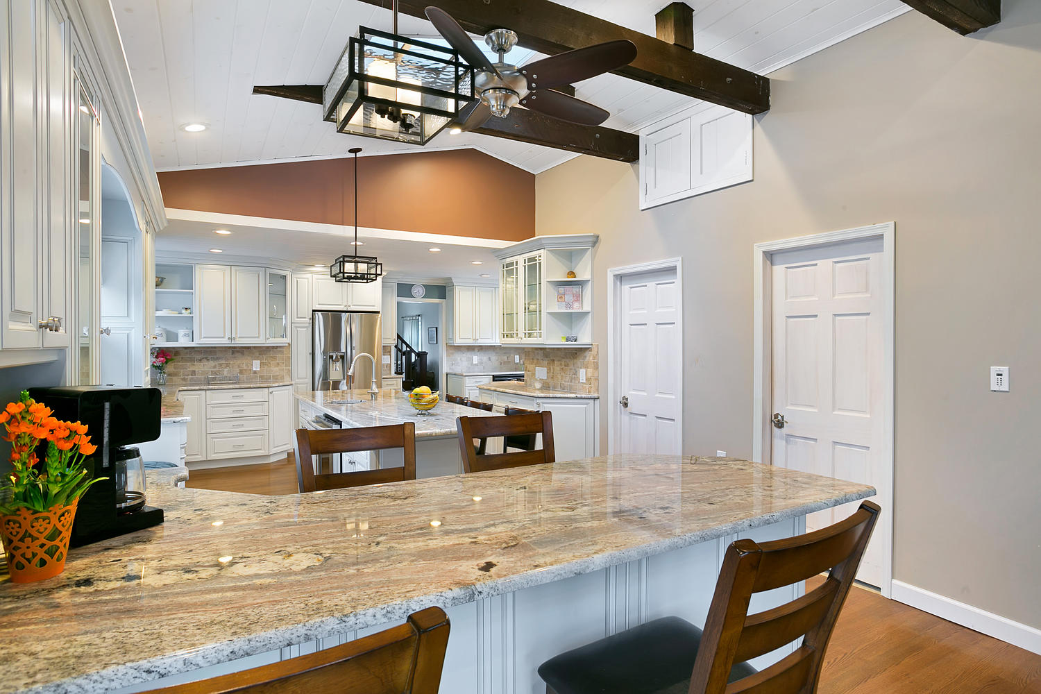 100 High Ceiling Kitchen Contemporary With Crown