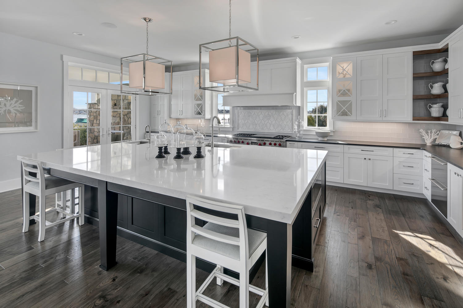 It 39 s black and white brielle new jersey by design line kitchens - Design line kitchens ...