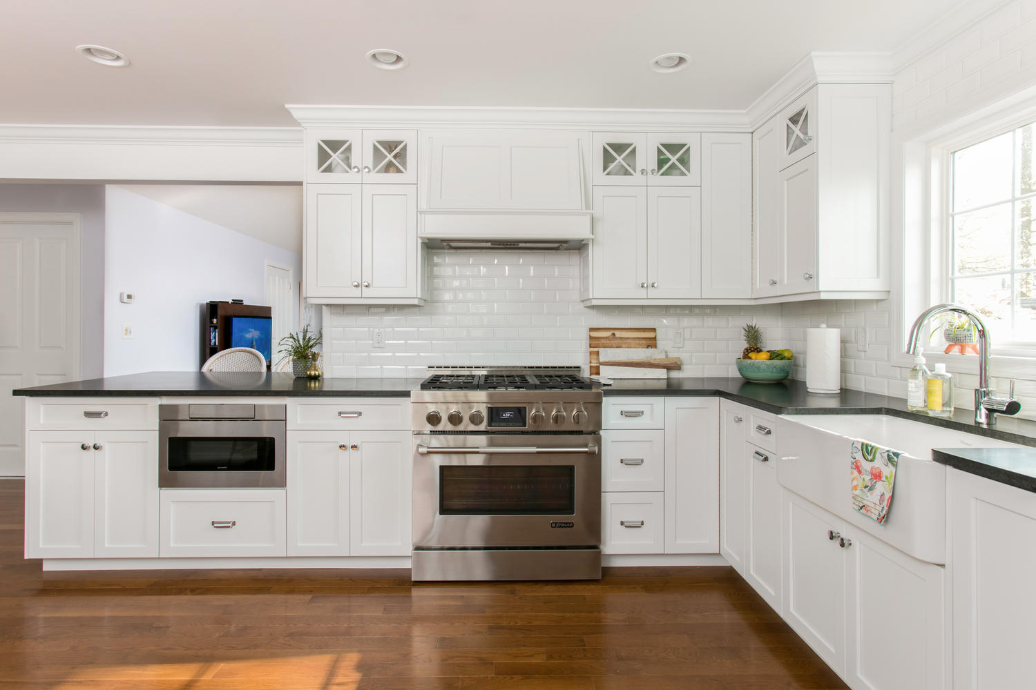 A look at classic white kitchen shrewsbury new jersey by design line kitchens - Design line kitchens ...