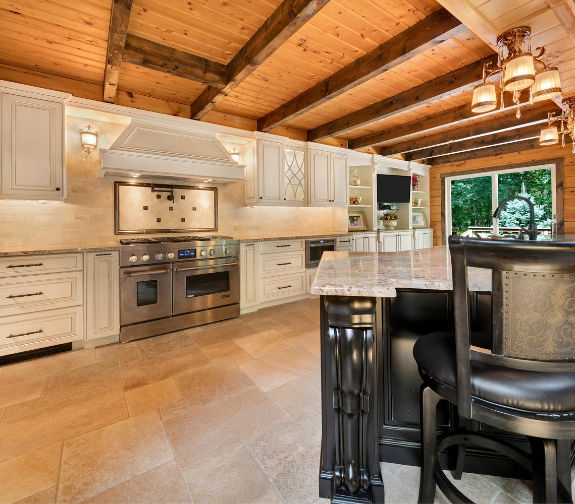 Large Island · Large Kitchen · Log Cabin Kitchen