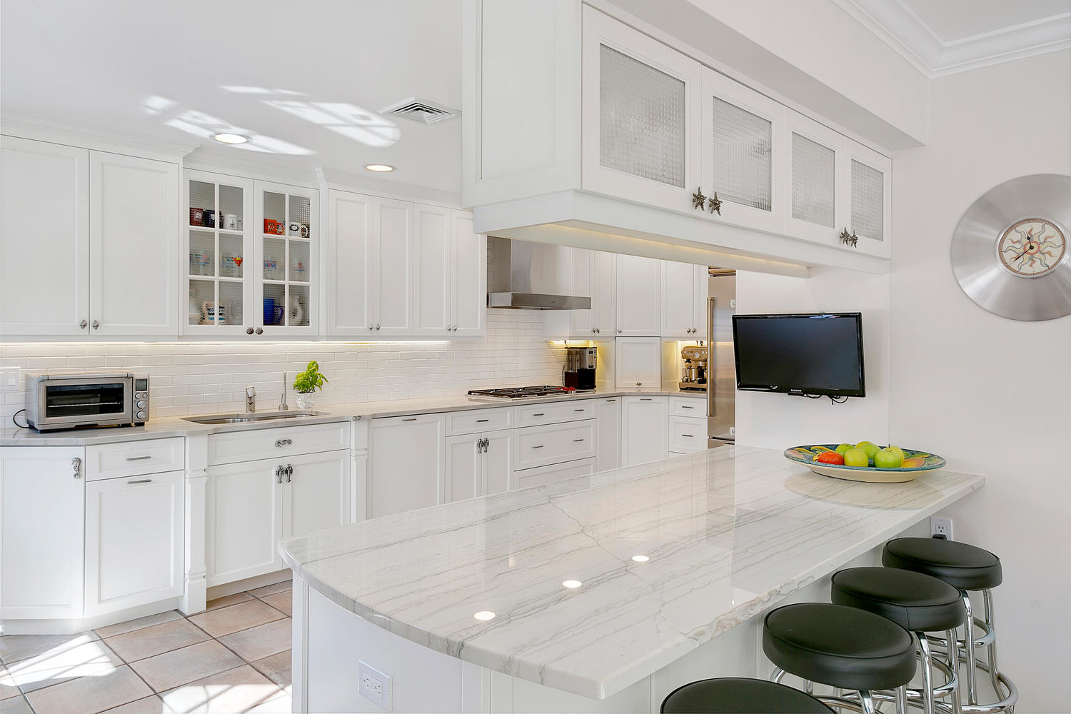 Beachy Hamptons Style Kitchen Sea Girt New Jersey By Design Line - Hamptons kitchen design