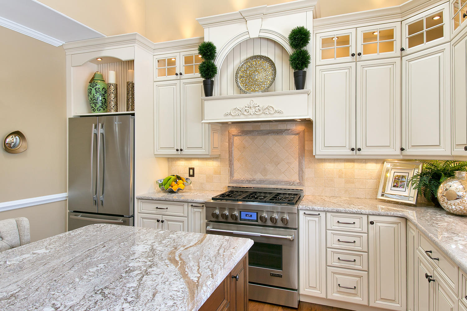 new classic kitchen freehold new jersey by design line kitchens. Black Bedroom Furniture Sets. Home Design Ideas