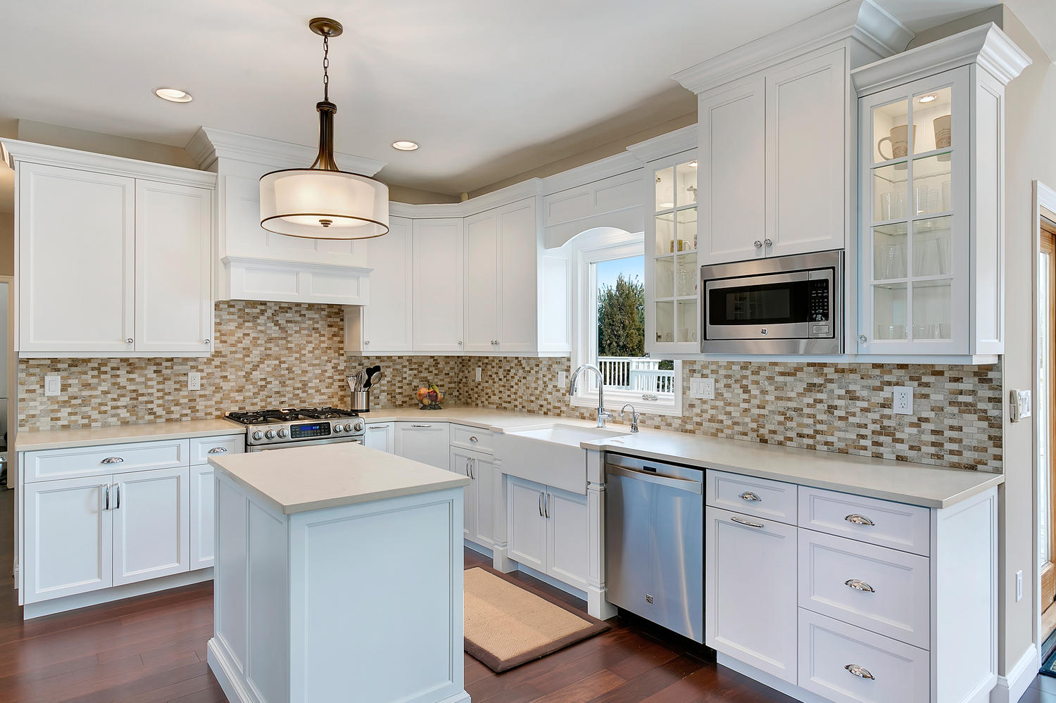white shaker style kitchen manalapan new jersey by design line kitchens. Black Bedroom Furniture Sets. Home Design Ideas