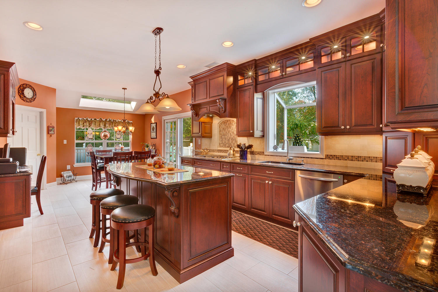 dark cherry kitchen perfection wall new jersey by design line kitchens. Black Bedroom Furniture Sets. Home Design Ideas