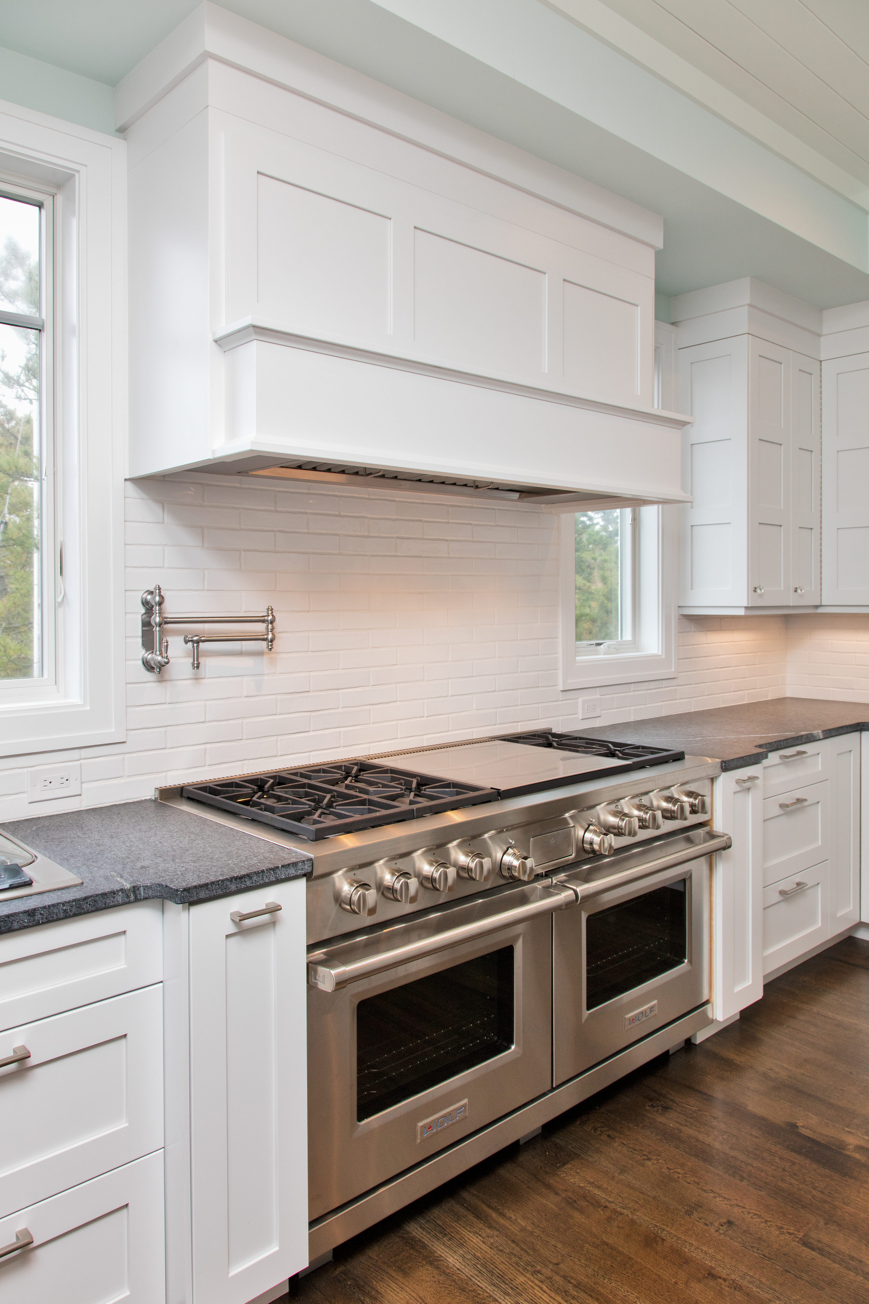 White Transitional Kitchen Mantoloking New Jersey By Design Line Kitchens