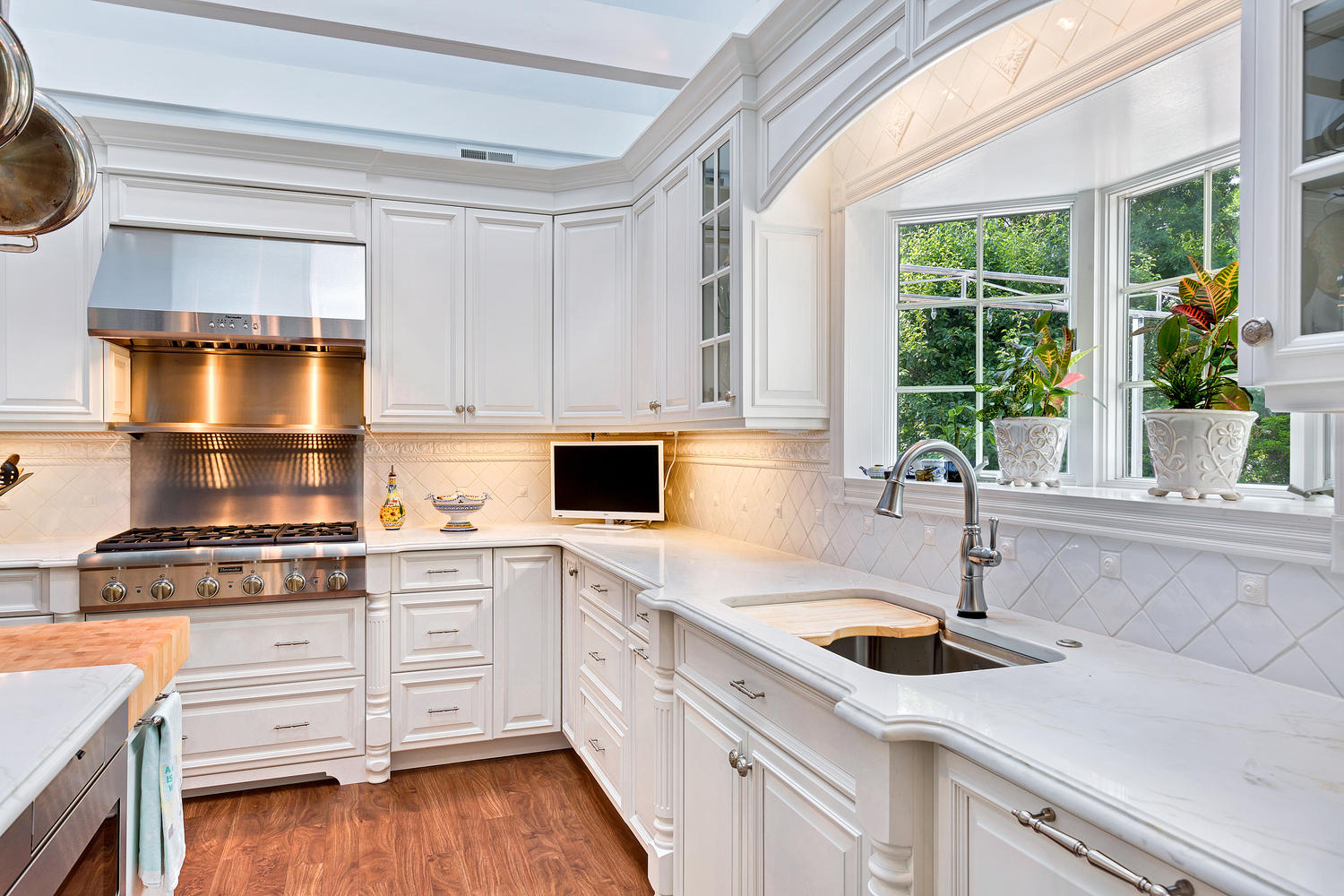 Backsplash For White Kitchen Cabinets Luxury White Kitchen Avon Nj By Design Line Kitchens