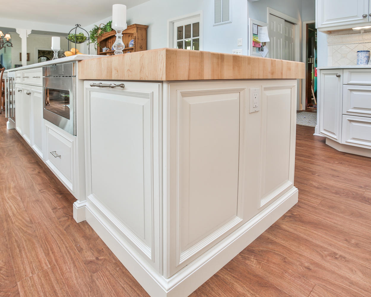 Detailed Kitchen Island With Furniture Base Moldin