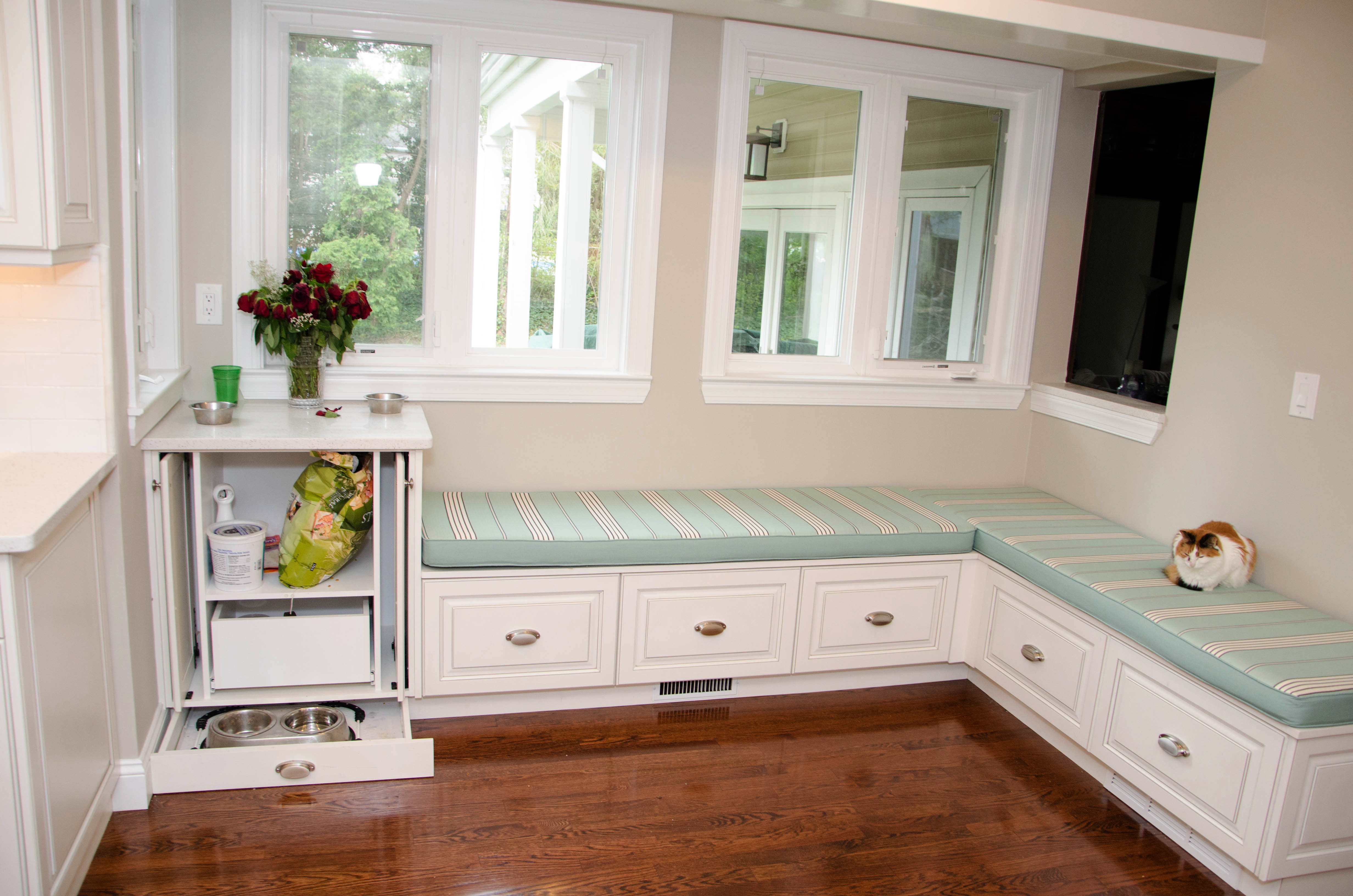 Wrap Around Kitchen Cabinets Light And Spacious Kitchen Brielle Nj By Design Line Kitchens
