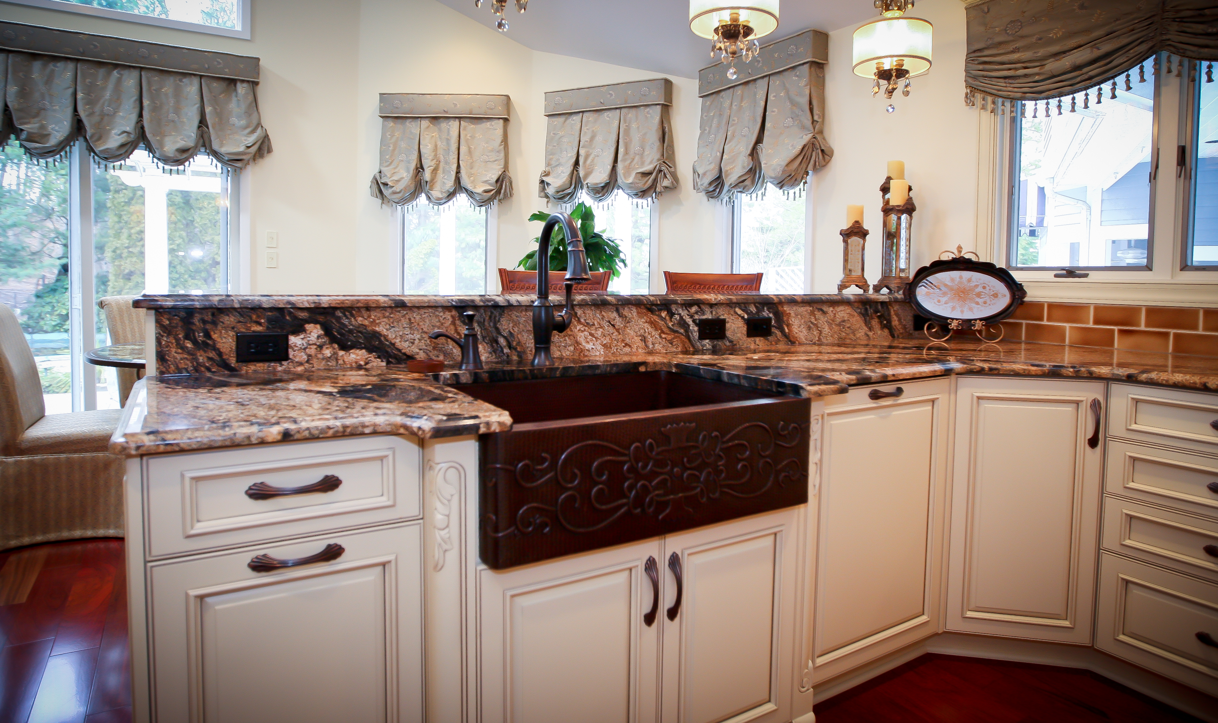 Double Sink Island Kitchen