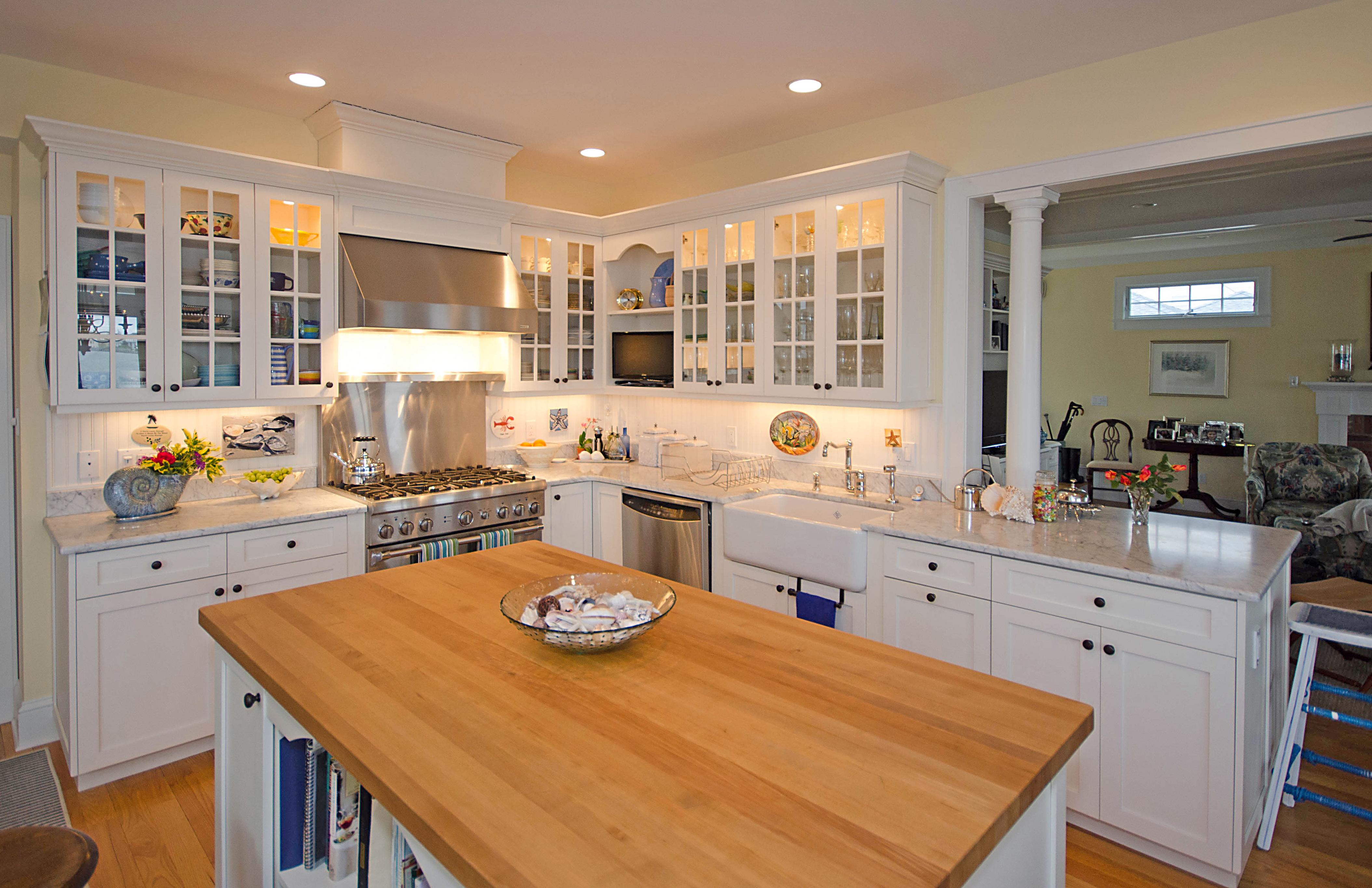 Kitchen Cottage Relaxed Cottage Kitchen Colts Neck New Jersey By Design Line Kitchens