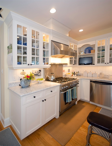 Relaxed cottage kitchen colts neck new jersey by design line kitchens - Design line kitchens ...