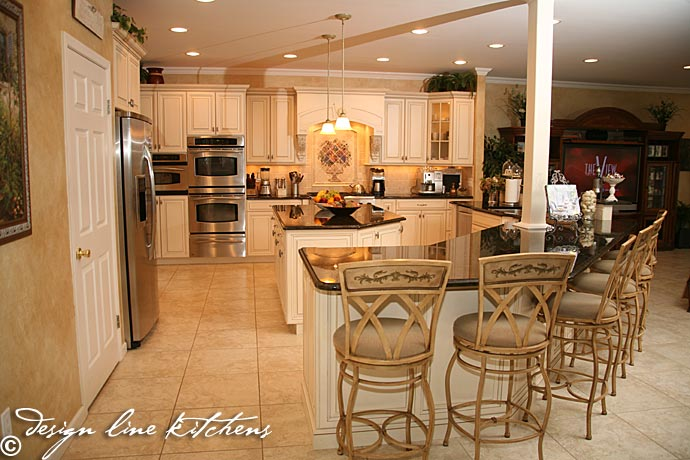 Tuscan style kitchen oakhurst nj by design line kitchens for Tuscan kitchen designs photo gallery